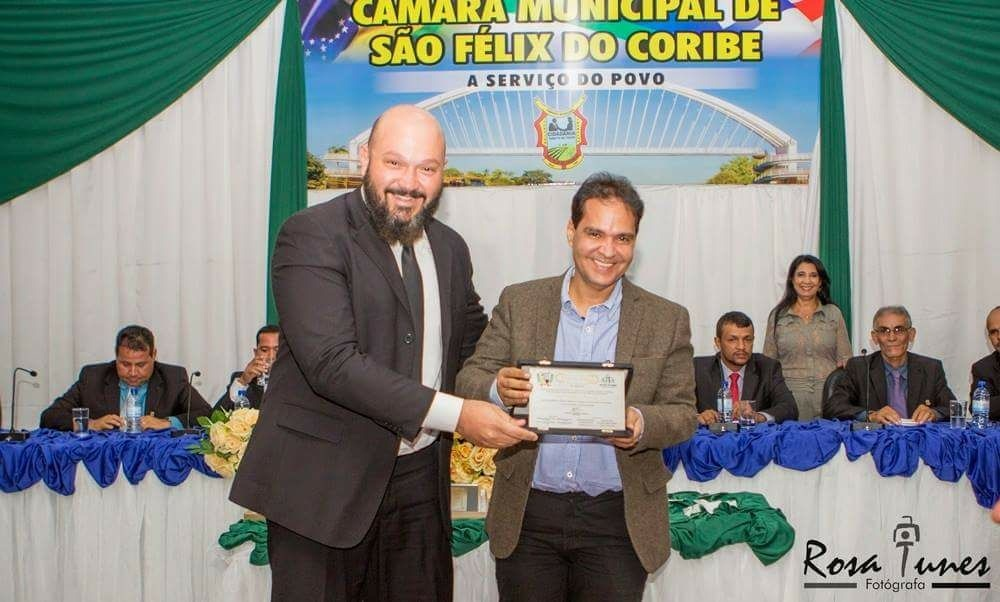 Eures Ribeiro recebe título de cidadão de Sao Felix em Coribe (Fotografia: Rosa Tunes)
