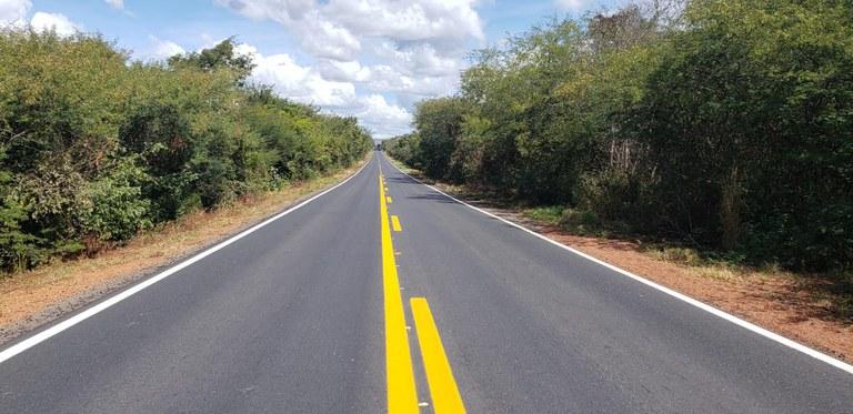 Bahia: Governo federal entrega 59 quilômetros de pista recuperada na BR-135